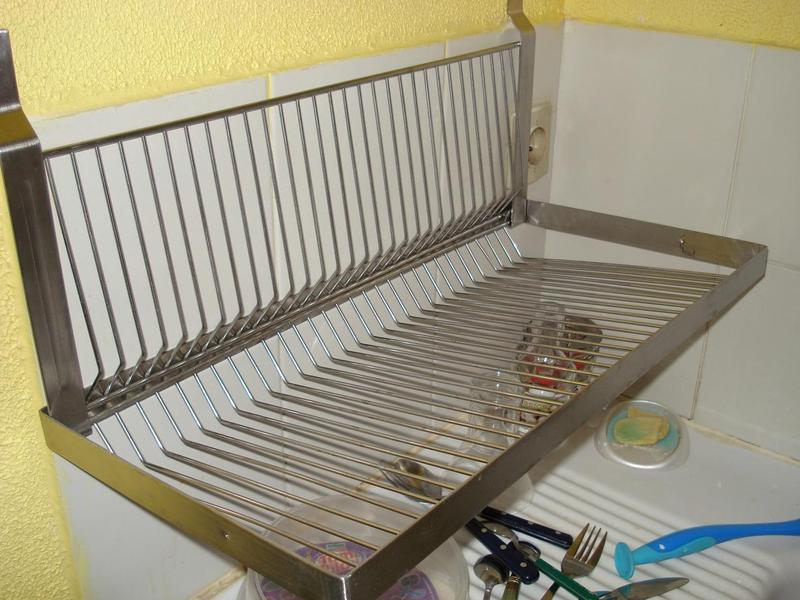 egouttoir a suspendre les ustensiles de cuisine. Black Bedroom Furniture Sets. Home Design Ideas